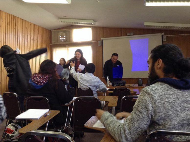 Una de mis clases favoritas es la del profesor Inzunza, su ramo sobre Periodismo de Difusión Artística es genial, así que es digna de una foto.