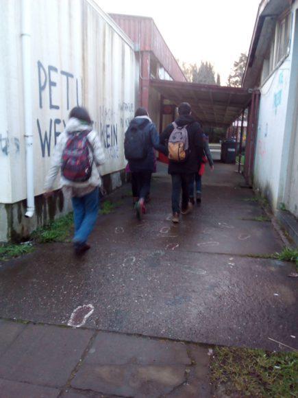 Ese día teníamos una clase hasta las siete, entonces cuando salimos muchos nos fuimos caminando para sacar fotografías.