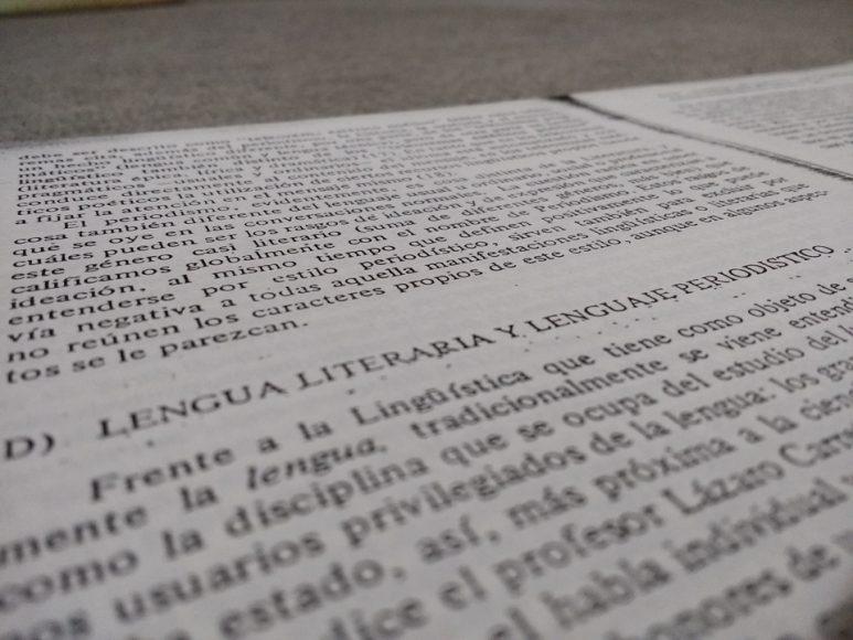 Siempre me lo repito, tengo que leer más, ¡TENGO QUE LEER MÀS! Es que leo muy poco.
