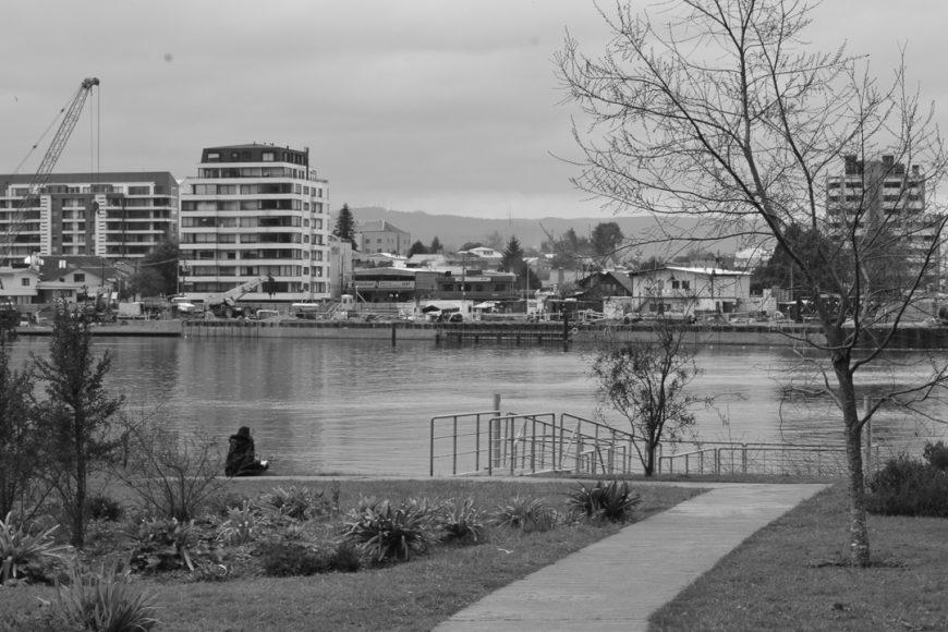 Pero a veces está ocupado, por alguien que quiere dibujar la ciudad, escribirle un poema o fotografiarla.