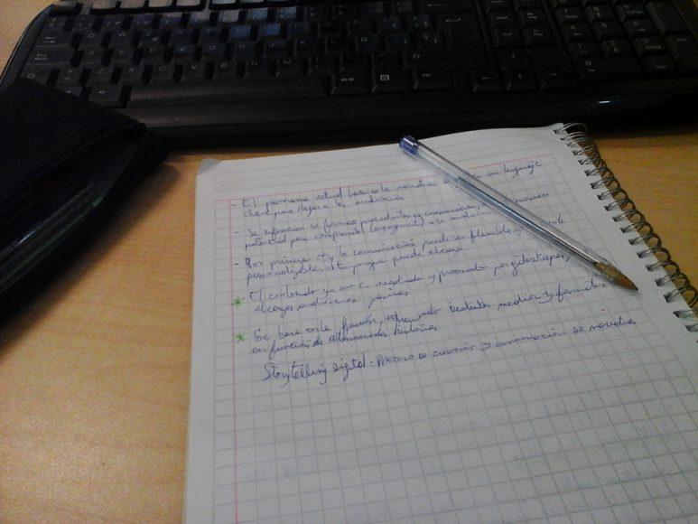 Captura de mi cuaderno mientras en clases.