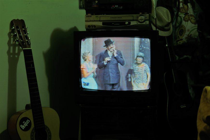Reconozco que aún veo el Chavo del 8 en VHS.
